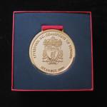 liverpool medalla campeon dorada 4