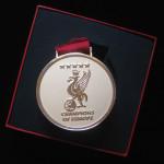 liverpool medalla campeon dorada 6
