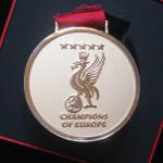 liverpool medalla campeon dorada 7